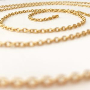 Long-gold-trace-chain